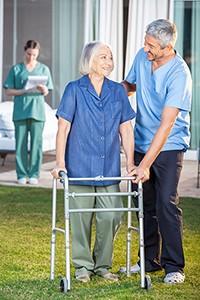 מטפלת סיעודית לקשישים
